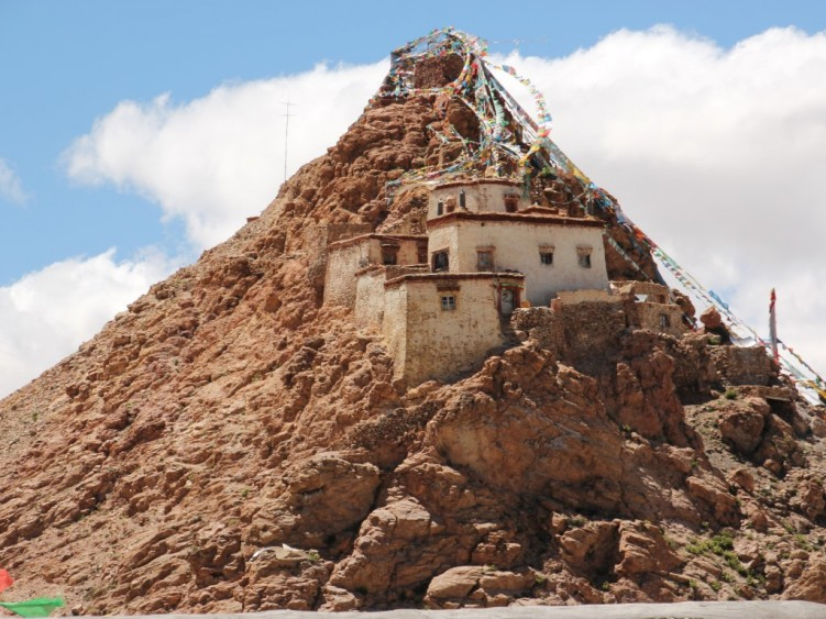 Buddhist temple at Manasarovar