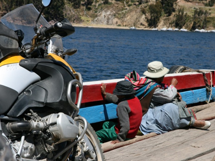 Crossing Lake Titicaca by boat