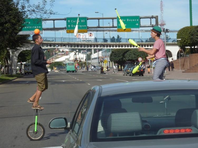 Traffic light entertainment