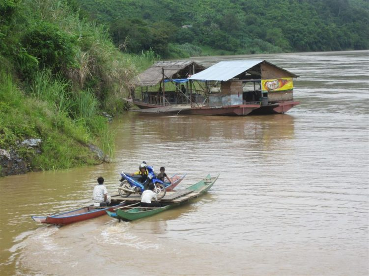 Local transport across the Mekong