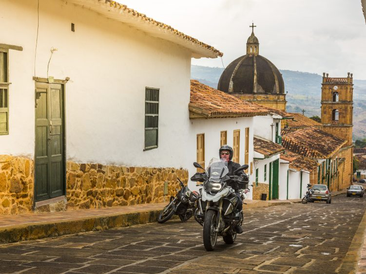 Stage 3 - Riding cobblestones in Colombia colonial town